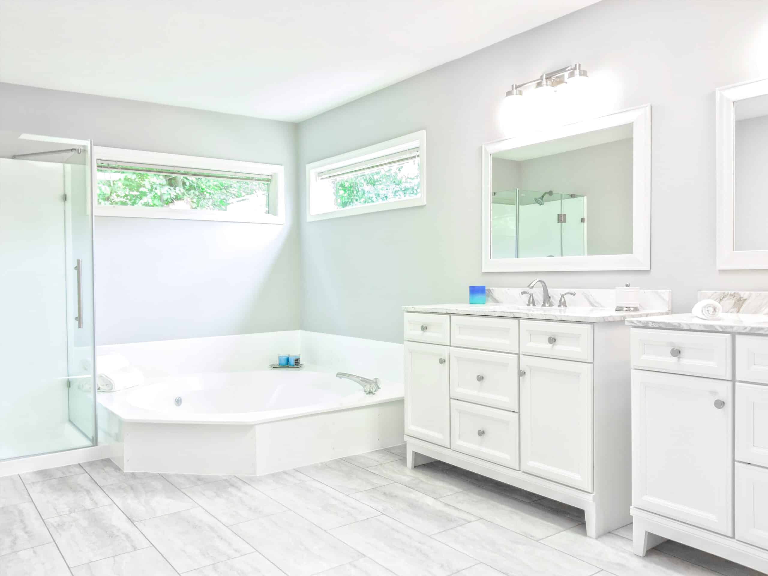 Hot Tub vs. Jetted Bathtub: Which Is Better?